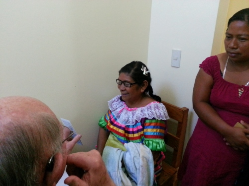 A Tzeltal patient receives a vision test